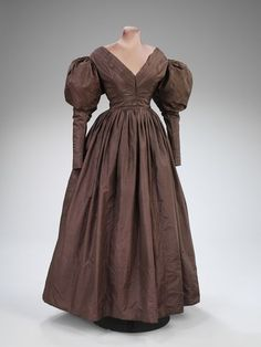 Dress  Place of origin: England, Great Britain (made)  Date: ca. 1825-1830 (made)