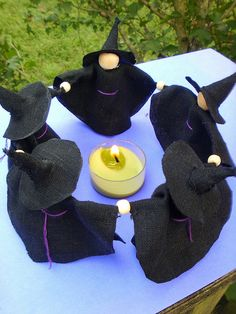 Circle of witches - no instructions, but so cute!