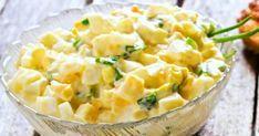 Salată de ouă - rețeta clasică: ușor de făcut. Rapid de făcut. Ieftin de făcut. Sățioasă, extrem de gustoasă și pe placul tuturor. Fă-o așa! Romanian Food, Raw Vegan, Vegetable Recipes, Carne, Risotto, Potato Salad, Macaroni And Cheese, Food To Make, Good Food