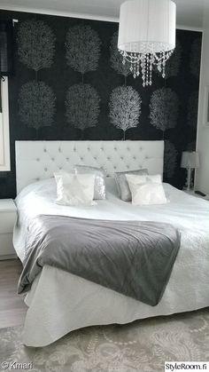 makuuhuone,sänky,tapetti,tyynynpäällinen,tekstiilit