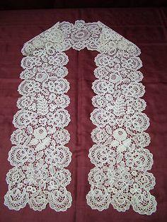 Honiton bobbin lace Lappet