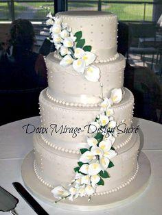 Gâteau de mariage ivoire avec lys calas, Ivory weeding cake with callas