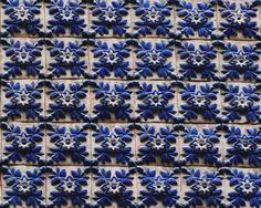 Olhares.com Fotografia   �sapphire stone   azulejos alto relevo, Porto antigo -Portugal