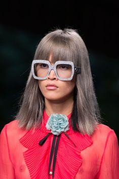 Gucci at Milan Fashion Week Spring 2016 - Details Runway Photos Glasses Trends, Gucci Spring, 2016 Trends, Girls With Glasses, Womens Glasses, Spring Summer 2016, Cut And Color, Fashion Details, Color Trends
