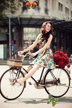<br> Hiit Bike, Spin Bike Workouts, Womens Bike Helmet, Dirt Bike Room, Bike Suit, Best Mountain Bikes, Mountain Biking, Women's Cycling Jersey, Cycling Jerseys