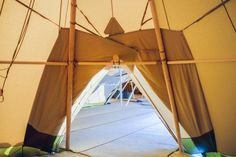 We offer different packages, depending on your event's requirements. We can set up 1, 2, 3 or more tipis together, using our clever Link Kits. These will create cosy, intimate spaces, including a dining area, a bar space and a dancefloor!   Find out more out about your tipi options on our website  #Tipis #Tipi #GiantTipi #GiantTipis #Wedding #TipiWedding #TipiParty #Sweden #Nordic Tipis