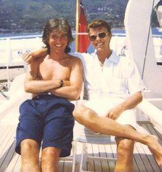 david hangin out w/ george #davidbowie #davidrobertjones #georgeunderwood #bros4life #bestbuds #legendarydavidbowie #bowie #starman #bowieforever #rockstar #rocknroll #davidbowieforever #ripdavidbowie