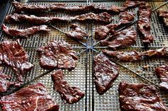 Jerky meat ready to dry Jerky Recipes, Raw Food Recipes, Beef Recipes, Cooking Recipes, Food Tips, Dehydrated Backpacking Meals, Dehydrated Food, Beef Jerky Seasoning, Charcuterie