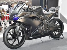 2017 Honda CBR250RR will be officially unveiled in Indonesia on 25th July 2016. The bike is an upgraded version of the CBR250R and fully-faired.