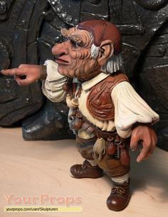 Labyrinth (1986), Hoggle statue...would love to put this in my garden! David Bowie Labyrinth, Labyrinth 1986, Labyrinth Movie, Fantasy Films, Fantasy Art, Jim Henson Labyrinth, Fraggle Rock, The Last Unicorn, Goblin King