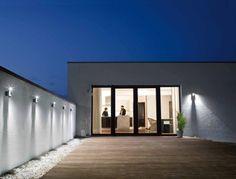 Utendørsbelysning | Hjem | OSRAM Home Depot, Outdoor Lighting, Outdoor Decor, Luz Led, Interior Exterior, Interiores Design, Lighting Design, Garage Doors, Sweet Home