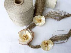 EleganteBeige-lino-collar de oro por Cynamonn en Etsy
