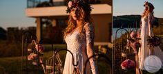 fot. Kamil Błaszczyk ślub wesele w plenerze |  outdoor wedding ceremony, koronka |  lace, wianek |  wreath, panna młoda |  bride, suknia ślubna |  wedding dress gown, dekoracje ślubne weselne | wedding decorations, dekoracja ślubna | wedding decoration, konsultant ślubny | wedding planner in Poland, styl eleganckie glamour | elegant glamour, zachód słońca sunset