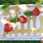 Jahodová nepečená torta10 Cake, Desserts, Food, Tailgate Desserts, Deserts, Kuchen, Essen, Postres, Meals