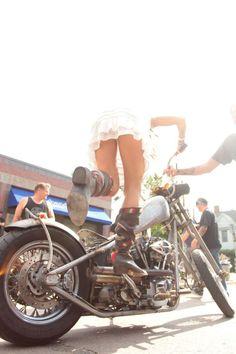 Biker Babe kick starting her Harley Lady Biker, Biker Girl, Motos Sexy, Image Moto, Style Cafe Racer, Harley Davidson, Moto Scooter, Chicks On Bikes, Hot Bikes