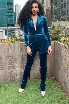 Suit for Work, White Collar Glam, NYC street style, velvet suit, business suit, chiara boni blue velvet suit, whtie pumps, steve madden heels, business formal, professional suit, pantsuit, pantsuit nation, work suits, black girl magic, natural hair workplace, mixed girl hair, natural hair, cute office outfit, work fashion blog, interview outfit, jewel tone outfit, fitted work suit, velvet formal outfit, news correspondent outfit, extratv, news woman outfit