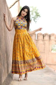 Fashionable Yellow Printed Kurti Size : M (Bust - inches) L (Bust - inches) XL (Bust - inches) (Bust - inches) Color : Yellow Fabric : Rayon Type : Stitched Style : Printed Delivery : Within business days ☺️Dm for price /Order   Indian Gowns, Pakistani Dresses, Indian Wear, Indian Outfits, Indian Long Dress, Kurti Designs Party Wear, Kurti Designs Long, Long Kurti Patterns, Latest Kurti Designs
