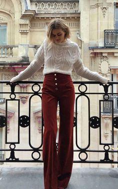 A gente já falou de vários tipos de calça aqui no blog, skinny , cropped , leeging , de couro ... tud...