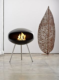 Terra Black by Cocoon Fires Mounted Fireplace, Freestanding Fireplace, Faux Fireplace, Ethanol Fireplace, Fireplace Ideas, Interior Architecture, Interior And Exterior, Interior Design, Contemporary Design