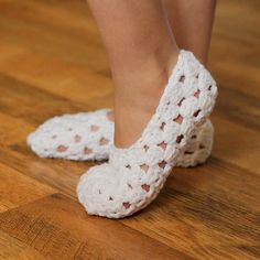 Ravelry: My Pretty Slippers (Child size 1 to Adult Woman size 12) pattern by Tara Murray $5.50