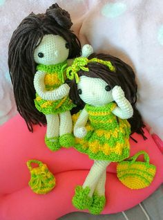 My crochet dolls : Cherie, your ribbon came off, let me help you...🎀