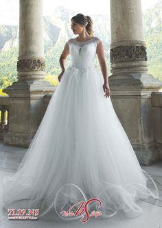 Colectiile 2019 Noela Style - Combina stralucirea rochiilor printesa cu glamul sirenelor moderne, o impletire a detaliilor fermecatoare si feminine, un joc superb de transparenta iluzorie, decupaje intraznete, flori si aplicatii, toate acestea realizate din matase naturala, tull soleil si tafta royal. Wedding Dresses, Modern, Fashion, Bride Dresses, Moda, Bridal Gowns, Trendy Tree, Alon Livne Wedding Dresses, Fashion Styles