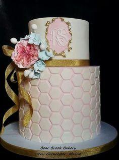 bee hive cake elegance