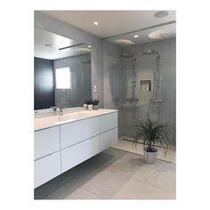 God helg🌥 Baderomsinnredning fra @kvikaalesund #baderom #kvikbad #kvikbathroom #myhome #norfloor #fliser #betongtech Stairway Lighting, Hanging Canvas, Modern Kitchen Design, Stairways, Double Vanity, Terrazzo, Minimalist, Bathroom, Furniture