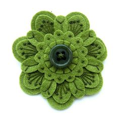 felt and embroidery - - Yahoo Image Search Results Felt Embroidery, Felt Applique, Embroidery Stitches, Flower Embroidery, Flower Applique, Felt Flowers, Fabric Flowers, Fabric Art, Fabric Crafts