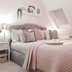 neues Zimmer Blush pink and grey bedroom inspo The Modern Watches and Precise Clocks (Part 5 of I Bedroom Decor Grey Pink, Blush Pink And Grey Bedroom, Bedroom Decor For Teen Girls, Cute Bedroom Ideas, Room Ideas Bedroom, Girl Bedroom Designs, Home Decor Bedroom, Blush Pink Comforter, Light Pink Bedrooms