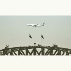 #planespotting from #tarongazoo  #qantasairways #airbus #a330 #oneworld arriving into #sydneyinternational #airport from #perth as #qf574 #qfa574 with the #sydneyharbourbridge in picture. #planespotter #instagramaviation #instaplane #megaplane #avporn #avgeek #avnerd #avporn #aviationporn #australianaviation #planes #planecrazy #PlaneLOCO by plane_loco http://ift.tt/1NRMbNv
