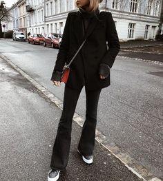 35 Per le sue idee di street style che ti fanno sembrare favoloso 35 For her Street Style Ideas That Make You Look Fabulous style Stunning Fashion Ideas Style in my Suitcase - Moda Femminile Black Women Fashion, Look Fashion, Fashion Outfits, Womens Fashion, Fashion Ideas, Blazer Fashion, Dress Fashion, Fashion 2017, High Fashion