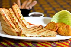 Chinese grilled sandwich/easy to make chinese sandwich #breakfast #chinese #fusion #kidsfavorite #easyrecipe #sandwich #healthy #GrilledSandwich #cheese Recipe at: www.annapurnaz.in