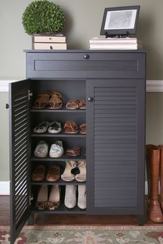 Ideas for shoe storage in entryway. There are so many ideas for shoe storage in entryway to consider by choosing the right one that create the perfect home interior design. Wood Shoe Storage, Entryway Shoe Storage, Diy Shoe Rack, Entryway Organization, Organized Entryway, Organization Ideas, Shoe Racks, Shoe Cabinet Entryway, Front Door Shoe Storage