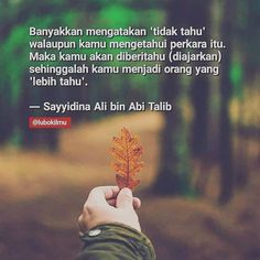 Image may contain: one or more people, nature, outdoor and text Islamic Inspirational Quotes, Islamic Quotes, Motivational Quotes, Miracles Of Quran, Ali Bin Abi Thalib, Words Quotes, Life Quotes, Islamic Messages, Self Reminder