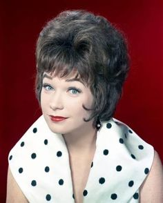 45 Beautiful Photos of Young Shirley MacLaine in the and ~ vintage everyday Tyrone Power, Errol Flynn, Old Hollywood Stars, Hooray For Hollywood, Classic Hollywood, Vintage Hollywood, Humphrey Bogart, Star Actress, Shirley Maclaine