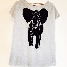 Also with black handprinted elephant  sizes 86 till 158 prices from €17,95! More information: info@combineerhet.com #combineerhet #kidsclothes #kidsfashion #giveaway