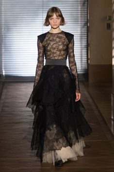 Givenchy   Haute Couture - Spring 2018   Look 5