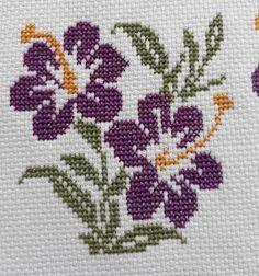 Tiny Cross Stitch, Baby Cross Stitch Patterns, Butterfly Cross Stitch, Cross Stitch Flowers, Hand Embroidery Projects, Embroidery Stitches Tutorial, Kasuti Embroidery, Cross Stitch Embroidery, Tapestry Crochet Patterns
