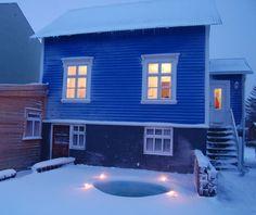 Central home with garden & hot tub - Maisons à louer à Akureyri