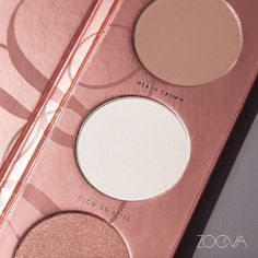 """""""New Generation. Unfold that special inner glow with our new Rose Golden Blush Palette, available on February 29th. #ZOEVA #ZOEVARoseGoldenVol3 #Blush"""""""