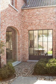 would choose 2 times round or 2 times square with regard to window modern roofing Brick Architecture, Architecture Details, Brickwork, House Goals, Lofts, Home Deco, Exterior Design, Future House, Building A House