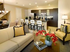 Home selling tips. FSBO. Sell home fast. Real Estate Tips. Sell by owner. Realtor. House sale. Staging tips