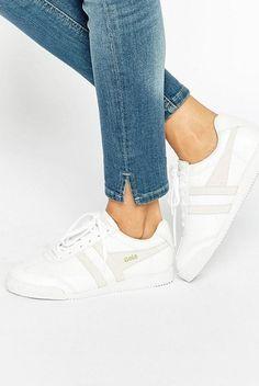 Uma seleção dos melhores sapatos, para que não os perca na confusão dos saldos.