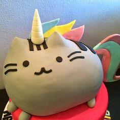 Pusheen Unicorn Cake?!