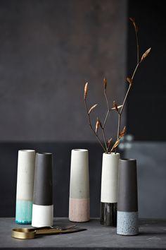 Vase grau/weiß aus Beton von House Doctor