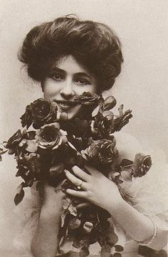 Evelyn Nesbit and her perfect hair.