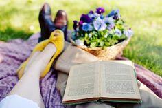 Resultados da Pesquisa de imagens do Google para http://1.bp.blogspot.com/-Rjpc5ZpBr4c/ToITg0EnmzI/AAAAAAAACtM/5gMaHKNT2qw/s1600/vintage+picnic+reading.jpg
