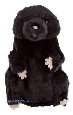 Deze mol dierpop van de Puppet Company is mooi gemaakt, 25 cm groot en past prima bij bijvoorbeeld een bos-thema, een thema over karaktereigenschappen of als hu