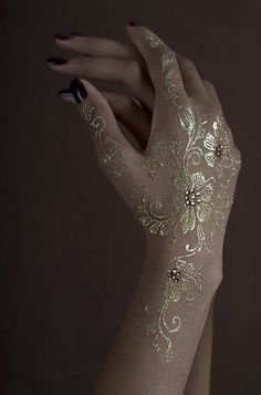 Silver and Gold Metallic Temporary Jewelry Tattoos - Instyle Fashion One